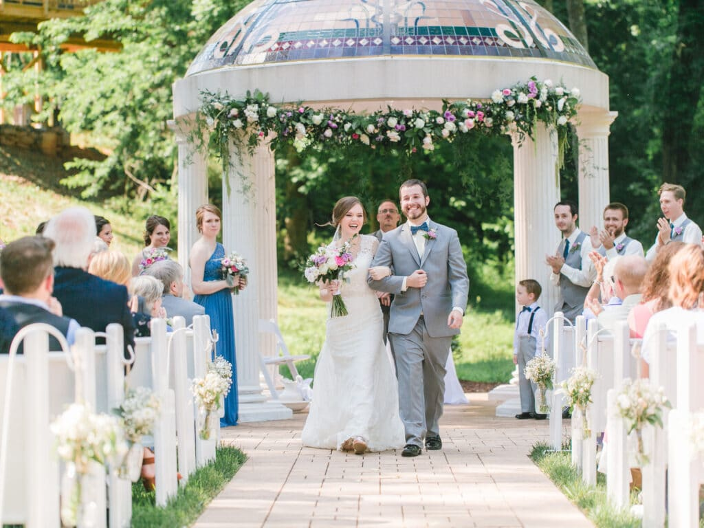 2018 Wedding Floral Forecast – Entwined Events   Florals: Bella Rose Floral & Designs   Photo Credit: April B Photography