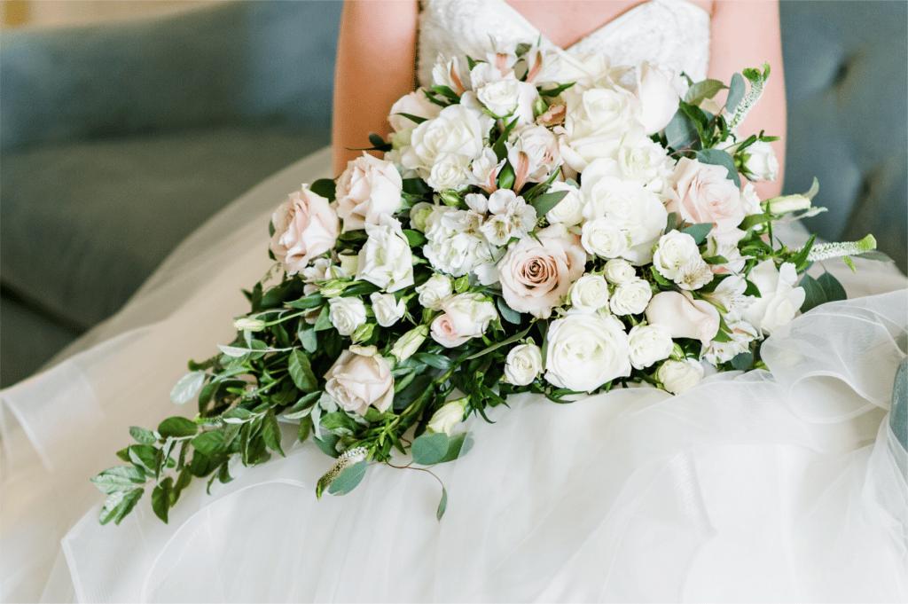 2018 Wedding Floral Forecast – Entwined Events | Florals: Bella Rose Floral & Designs | Photo Credit: Caroline Lima Photography